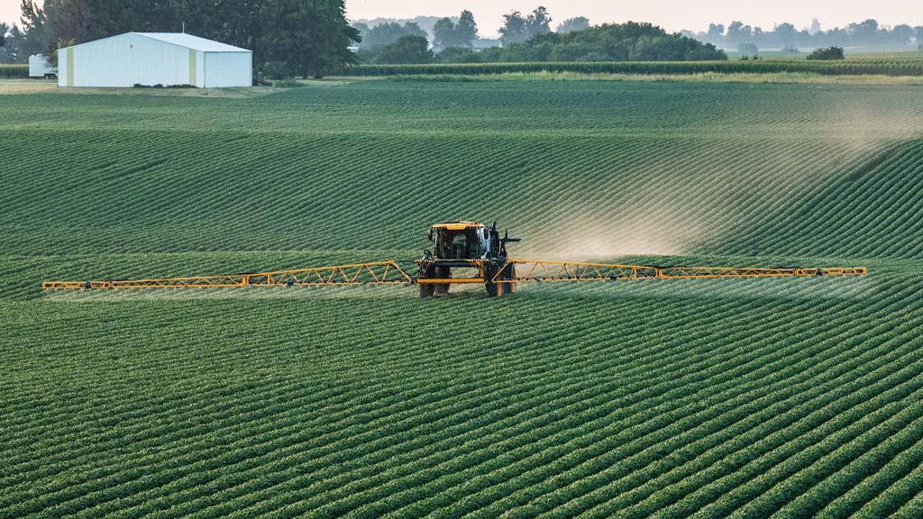 field image of hagie sprayer